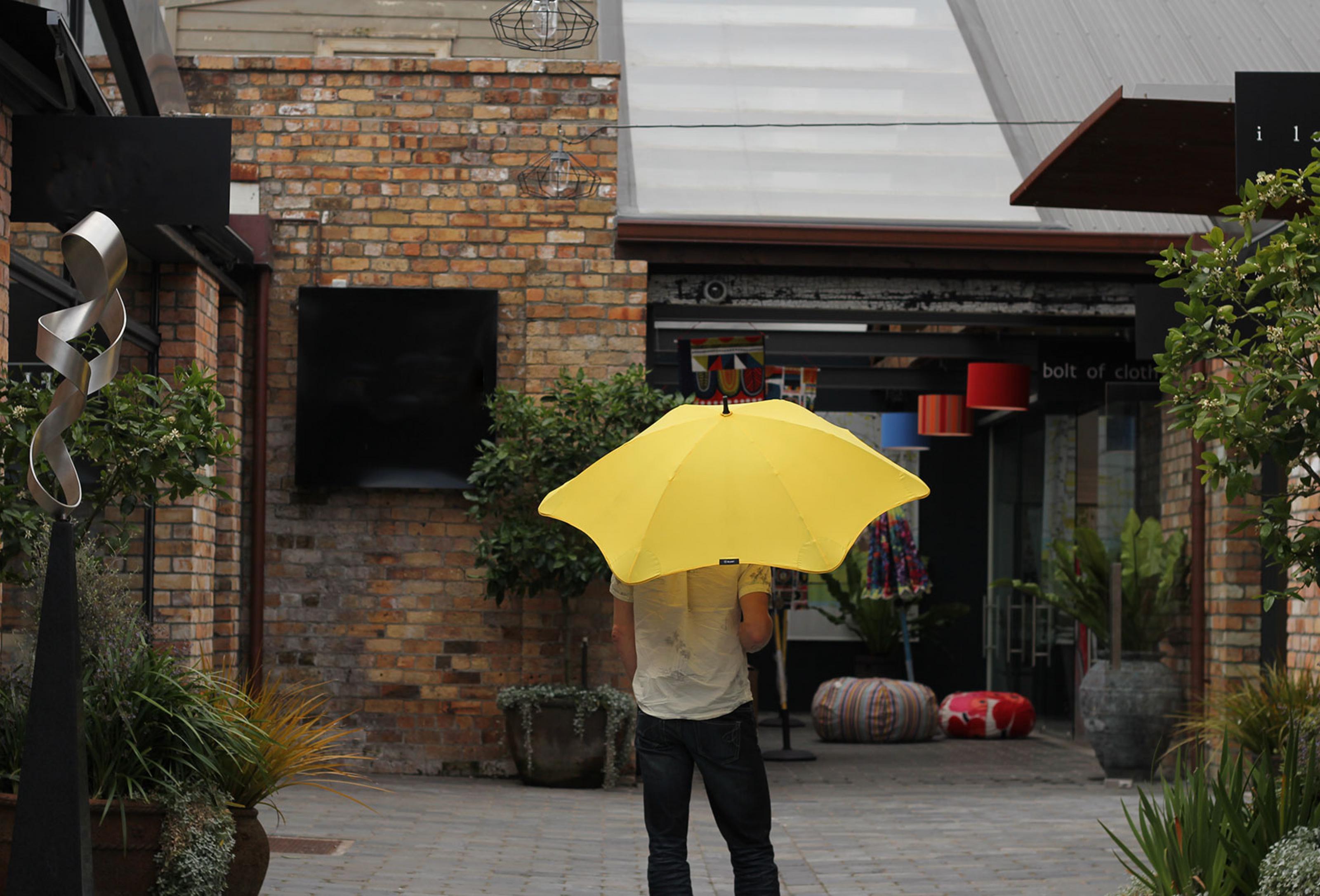 blunt_parapluie_dukestore_paris_03